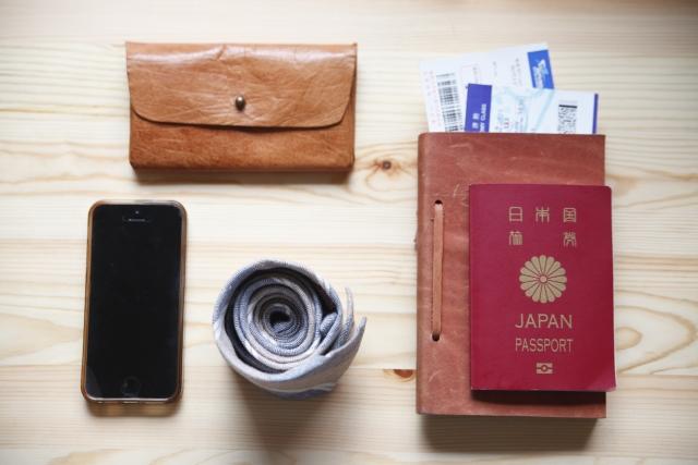 パスポートなど旅の準備の画像
